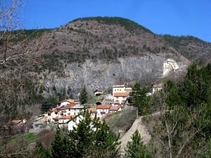 Le village de Théus